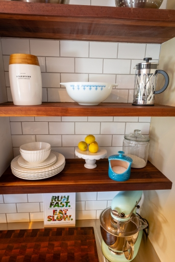 Three shelves, perfectly spaced, provided wonderful aesthetics and ample storage.